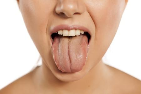 tong aanslag oorzaak