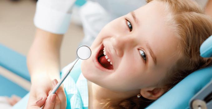 Kind naar de tandarts